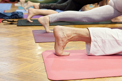 Yoga Practice May Strengthen the Feet and Ankles